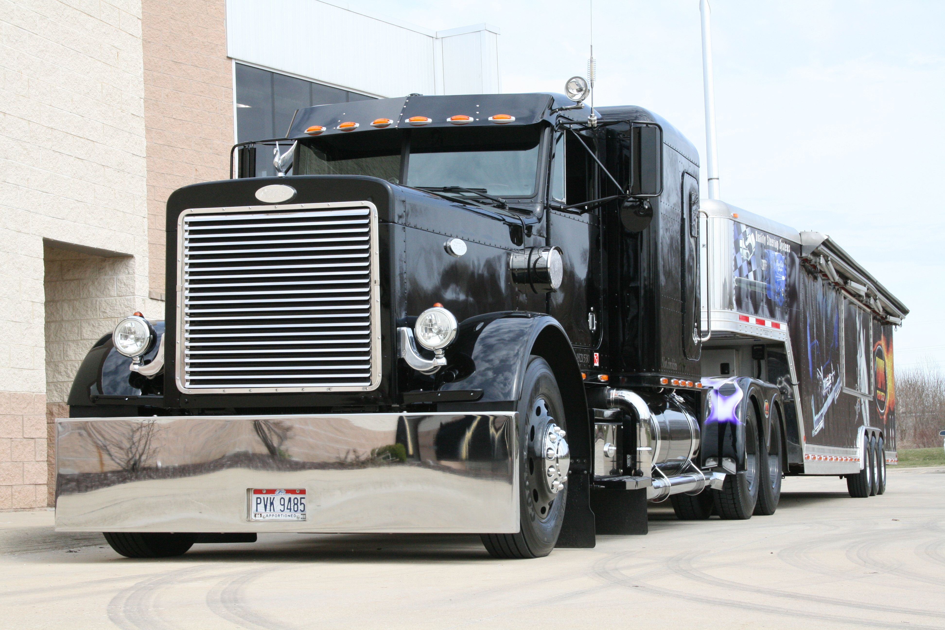 Flat top peterbilt show trucks submited images