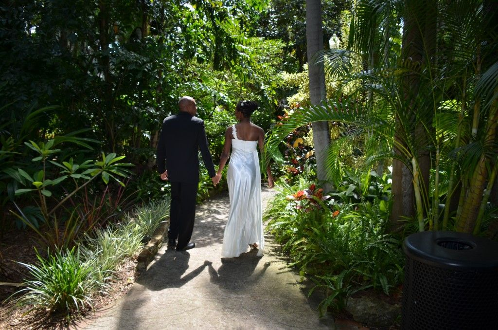 Sunken Gardens Wedding Ceremony. Garden Wedding Ceremonies