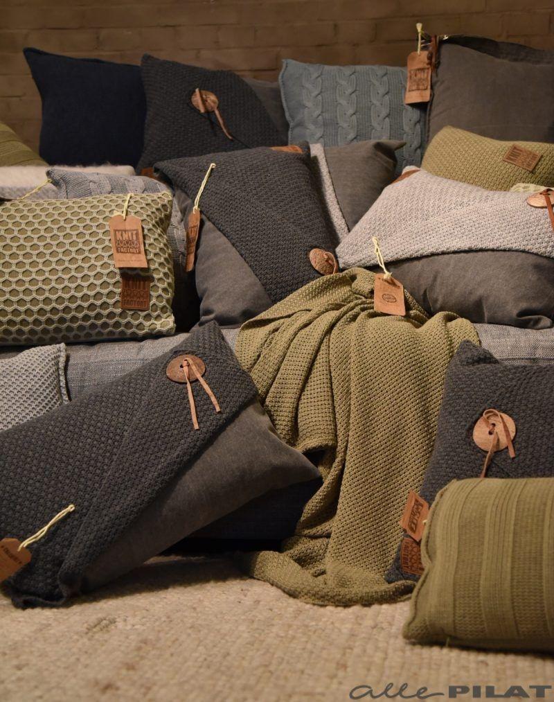 Kussens en plaids van de Knit Factory vind je bij Woonwinkel Alle Pilat