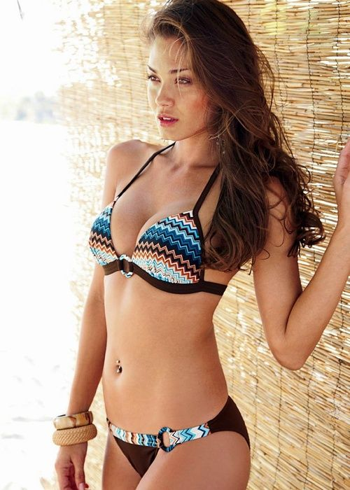 Hot Bikini Babe Galleries