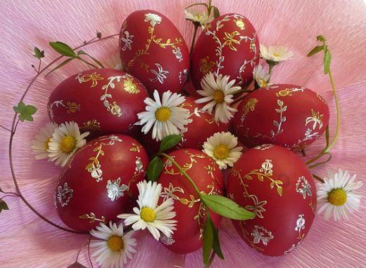 Как сделать натуральные красители для пасхальных яиц ...
