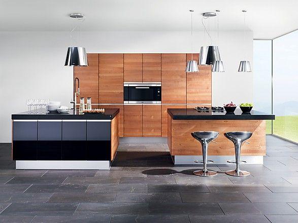 Küche Linee in Kernbuche und Hochglanz Schwarz mit 2 Inseln (TEAM 7