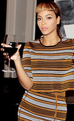 um vinho vai bém,então vem,,,