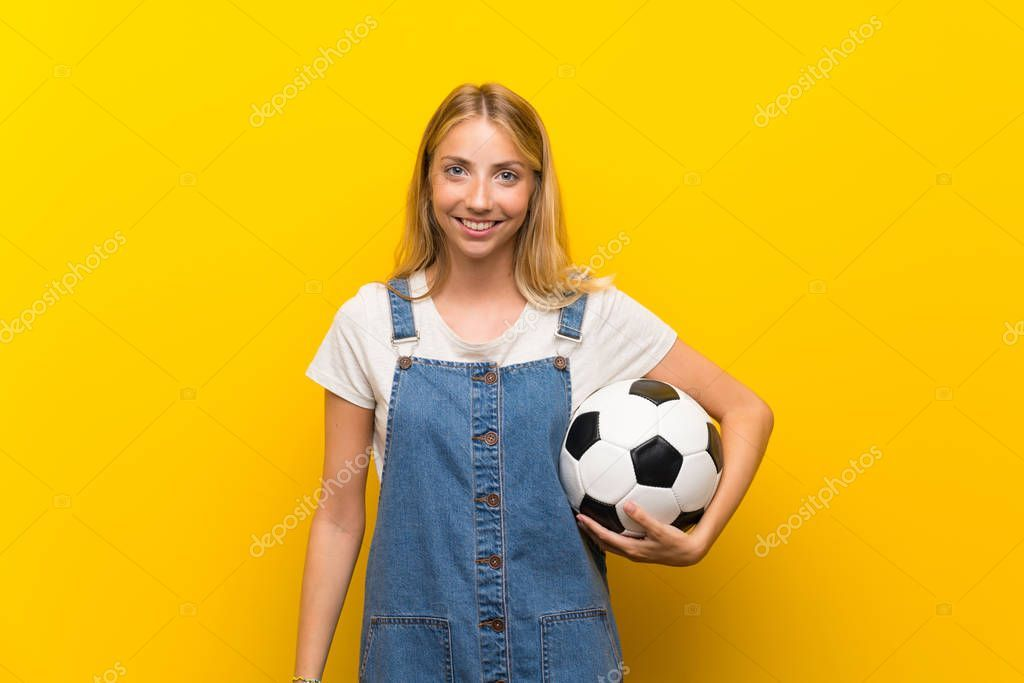 Blonde Young Woman Isolated Yellow Background Holding Soccer Ball Stock Affiliate Isolated Yellow Woman Blonde Ad Women Yellow Background Blonde