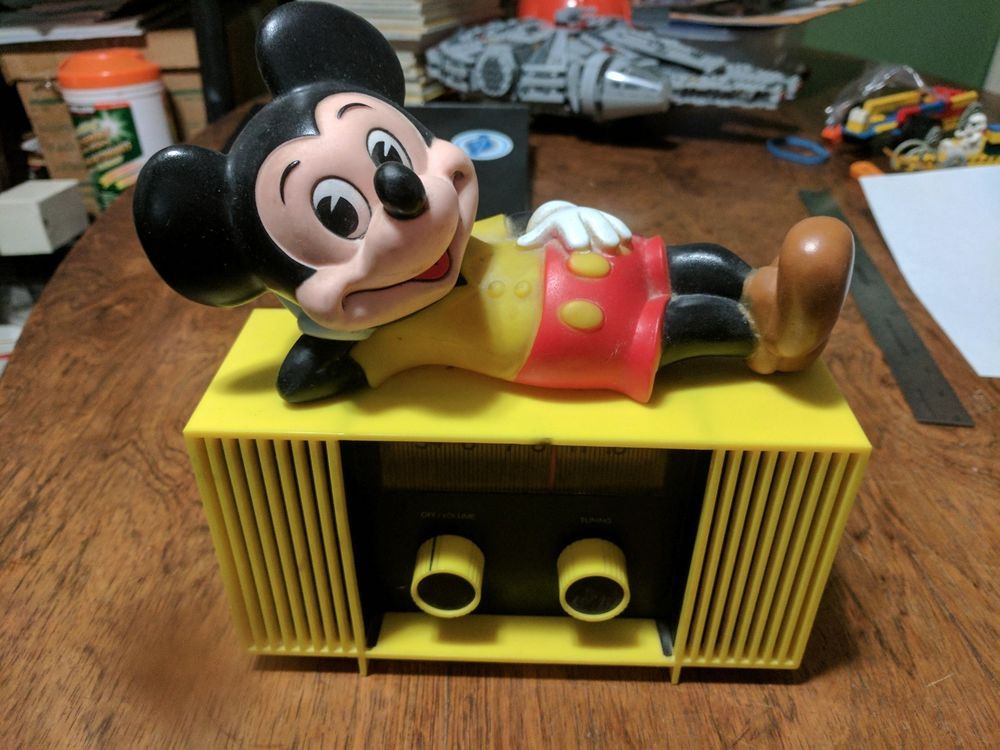 Vintage Disney Mickey Mouse Yellow Am Radio Concept 2000 Hong Kong Tested Works Concept2000 Vintage Disney Old Radios Disney Mickey Mouse