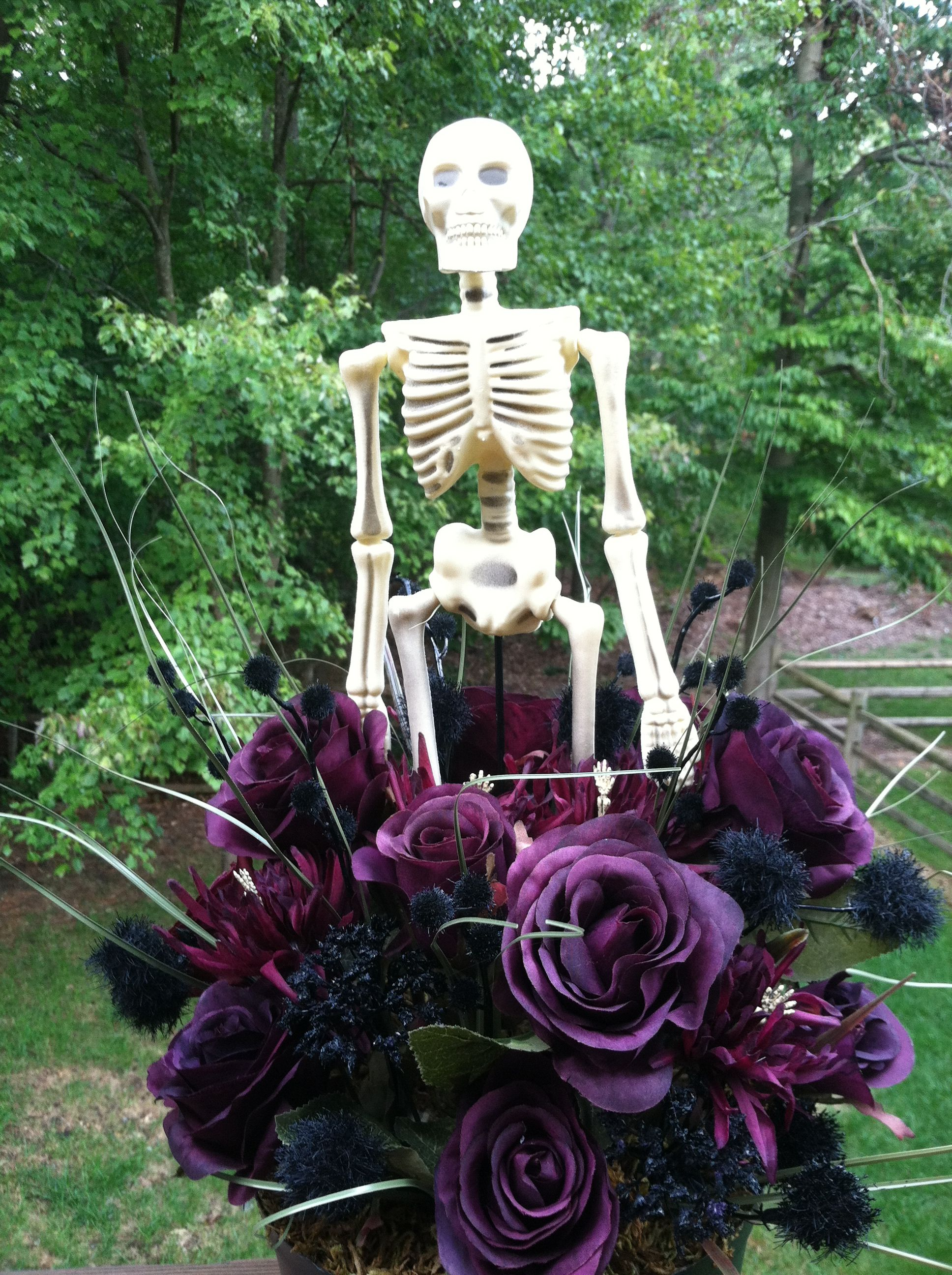 A friend of mine has created a Halloween garden... | Favorite pet ...