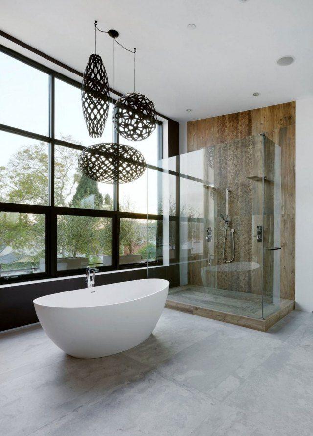 extravagante beleuchtung ideen badezimmer freistehende badewanne oval wei glas duschkabine. Black Bedroom Furniture Sets. Home Design Ideas