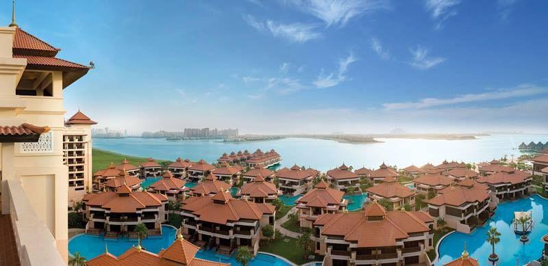 DUBAI, UAE. Palm Jumeirah island. Residências numa das ilhas artificiais construídas dentro do mar (Golfo Pérsico). As ilhas têm formtato de palmeiras.
