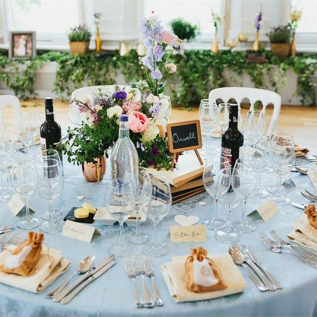 How Cute Is This Pretty Wedding Table Idea It S Taken From One Of The Best London Wedding Ve In 2020 London Wedding Venues Smallest Wedding Venue Pretty Wedding Table