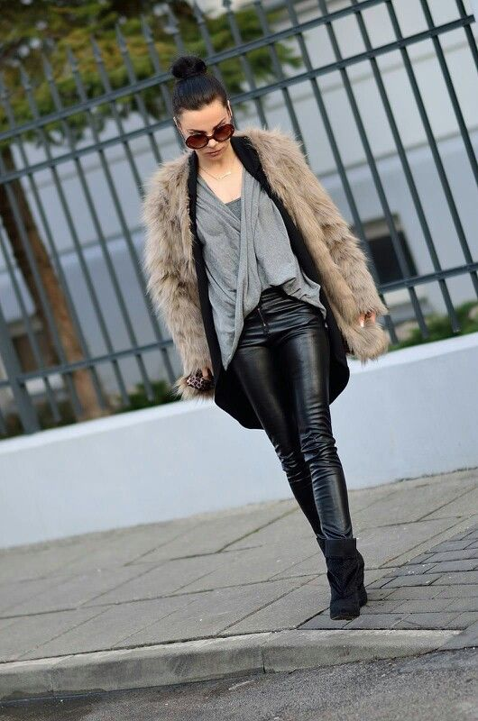 Chic Faux Fur Coat In Brown