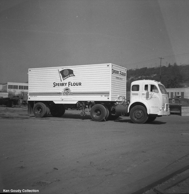 file0017.jpg 800×820 pixels Vintage trucks, Big trucks