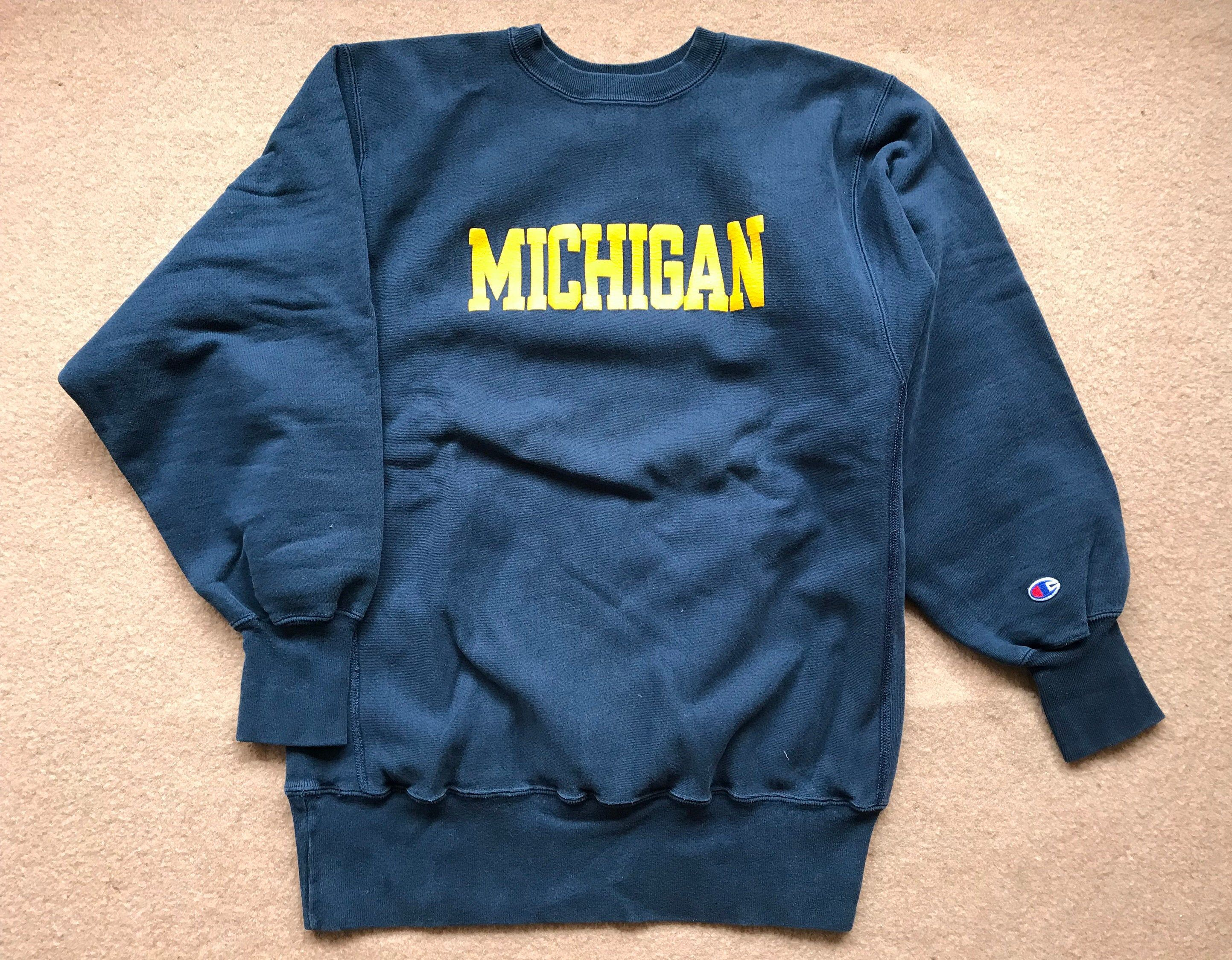 University Of Michigan Wolverines Sweatshirt Reverse Weave Etsy Sweatshirts 90s Sweatshirt University Of Michigan Wolverines [ 2250 x 2886 Pixel ]