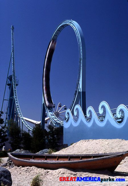 The Tidal Wave At Six Flags Great America In Gurnee Illinois Closed In 1991 So That Batman Could Be Built Amusement Park Rides Great America Theme Parks Rides