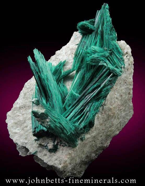 Brochantite, Milpillas Mine, Mexico. (Pic from johnbetts-fineminerals.com.)