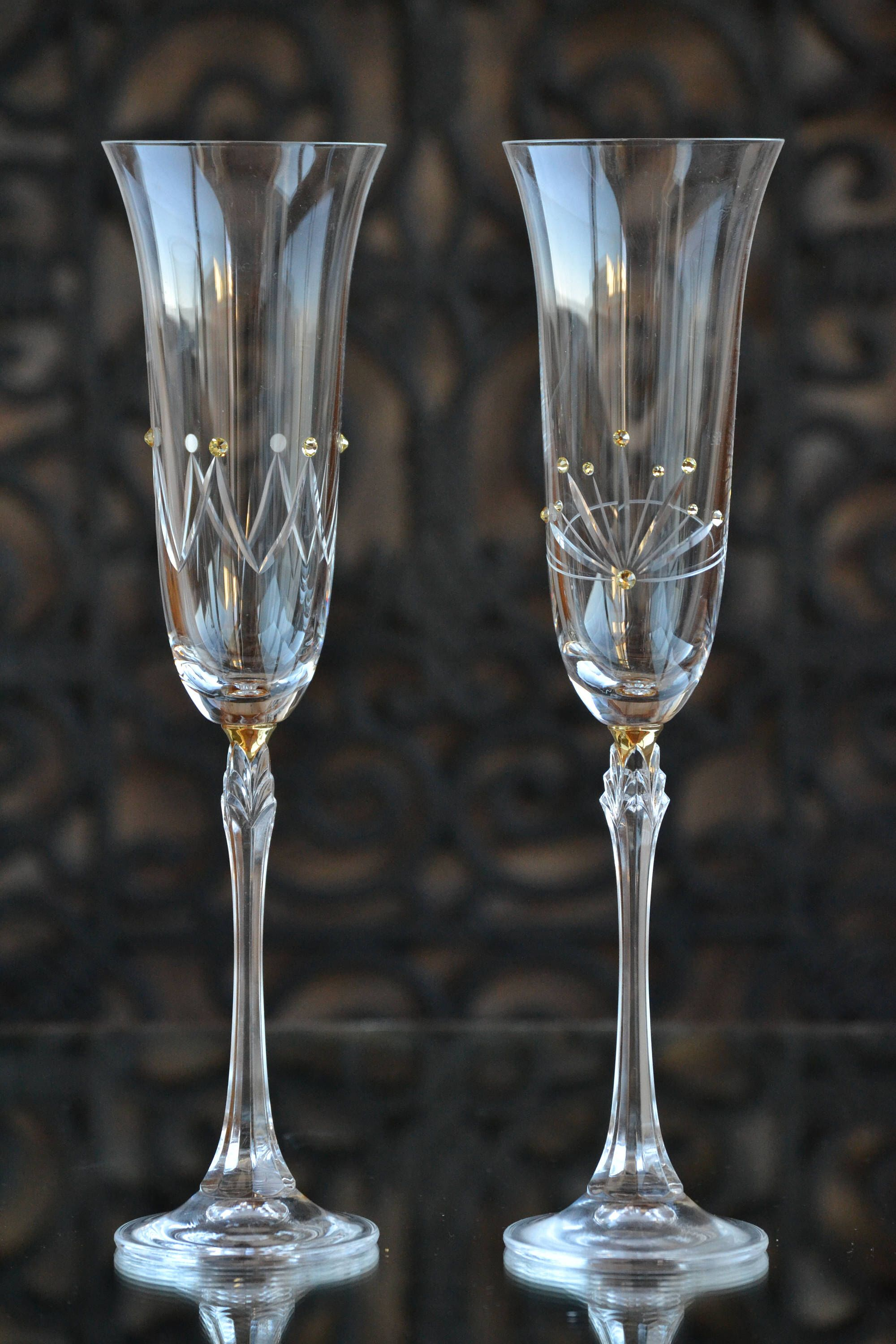 King And Queen Toasting Flutes Bride And Groom Engraved Etsy Bride And Groom Glasses Wedding Glasses Wedding Wine Glasses