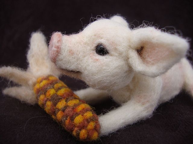 Awesome Needle-Felted Piglet and Indian Corn