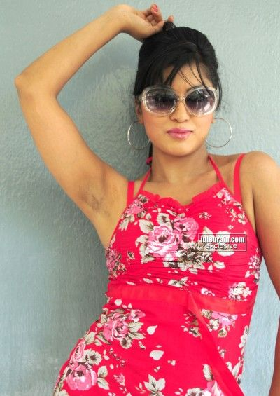 Arti Puri Showing Her Hairy Dark Armpits Armpit Xposer