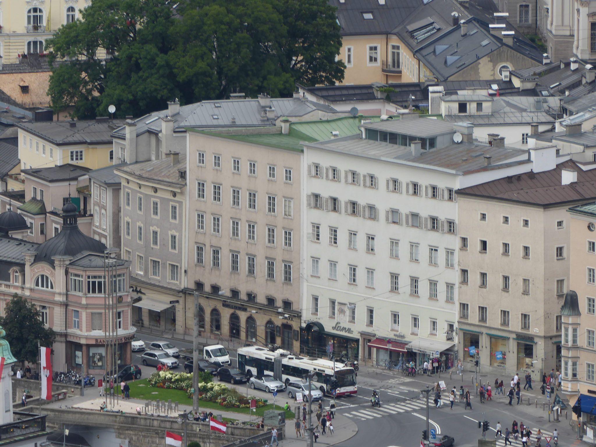 https://flic.kr/p/KUebbv | Schwarzstraße, Salzburg