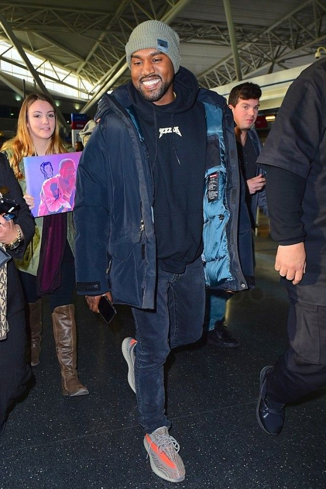 02287eb68f97 Kanye West - Getting creative at JFK Airport on in 2019