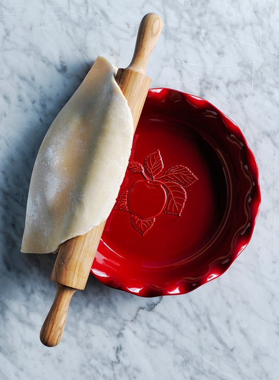 Emile Henry Apple Embossed Pie Plate | APPLES HARVEST ...