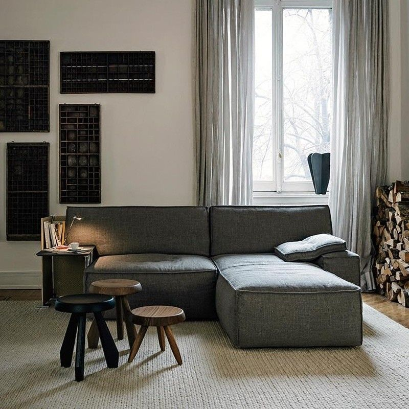 cassina my world sofa grau stoff akira 13f609 inkl seitentisch in grau kissen 47x47cm. Black Bedroom Furniture Sets. Home Design Ideas