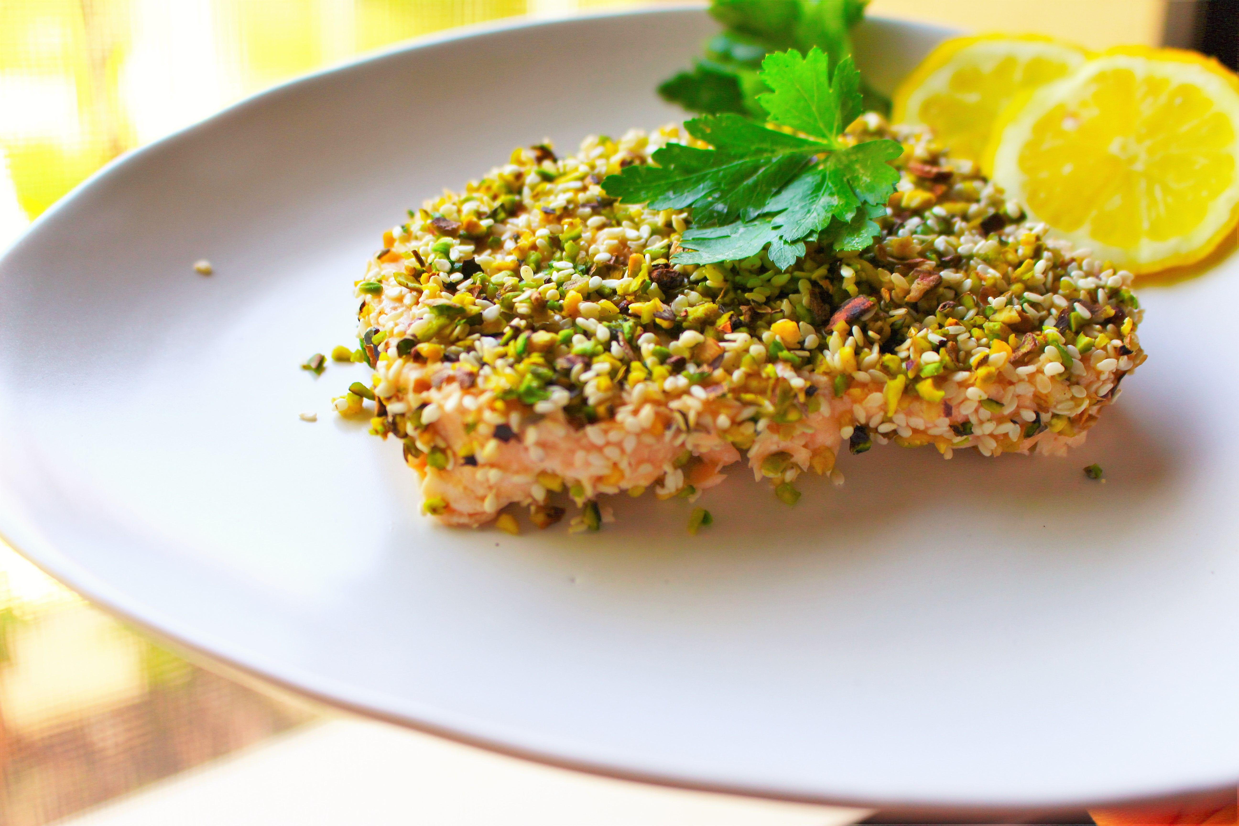 Ricetta Salmone Con Pistacchi.Salmone In Crosta Di Pistacchio E Sesamo Salmone Al Vapore Light Ricette Crostata Salmone