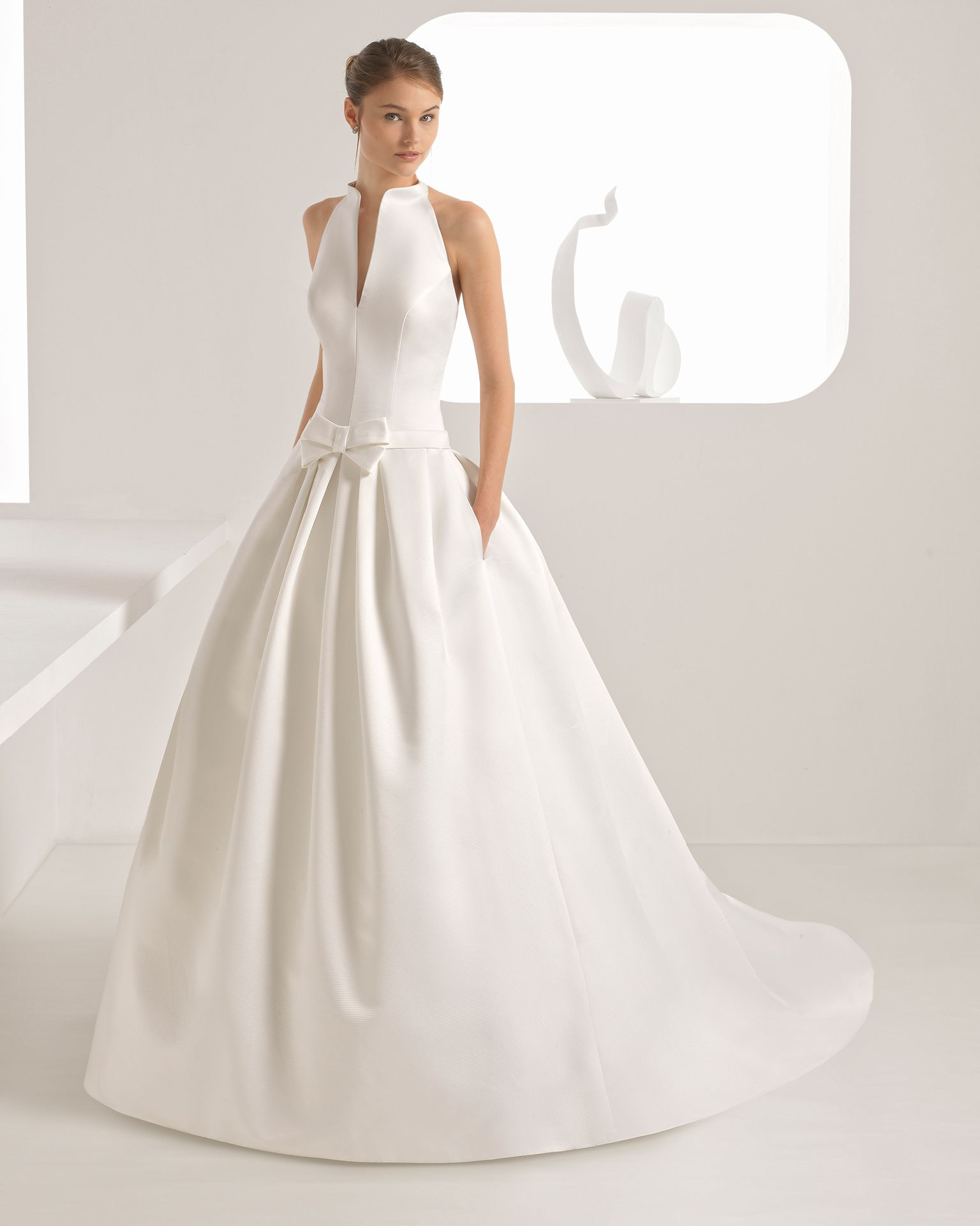 Aragon novia colección classic style wedding dress and