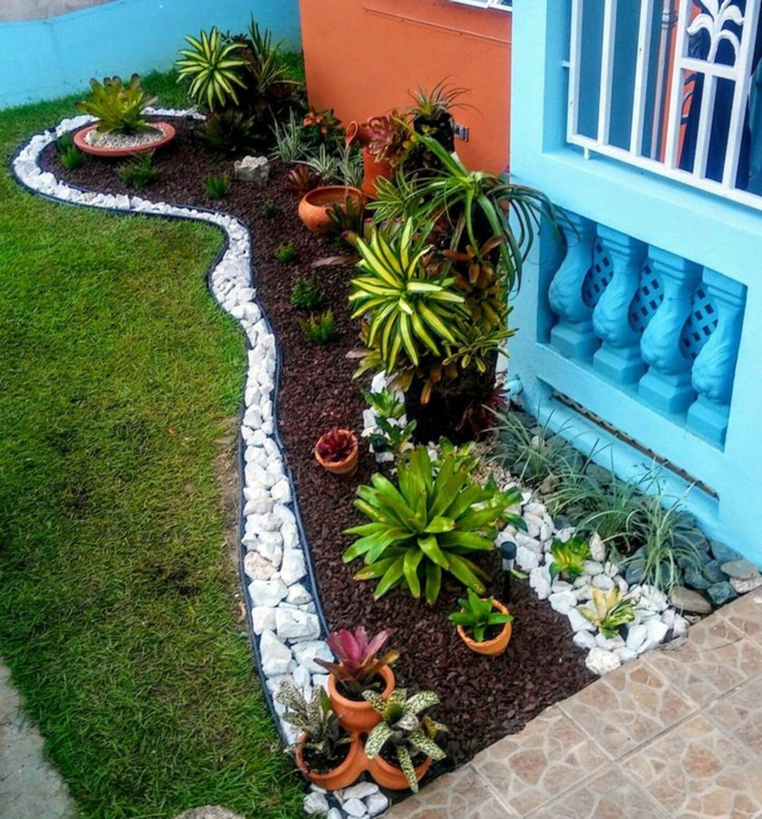 8 Best Small Garden Design Ideas That Are Much Wanted In 2020 Front Yard Garden Design Front Garden Landscape Tropical Landscaping