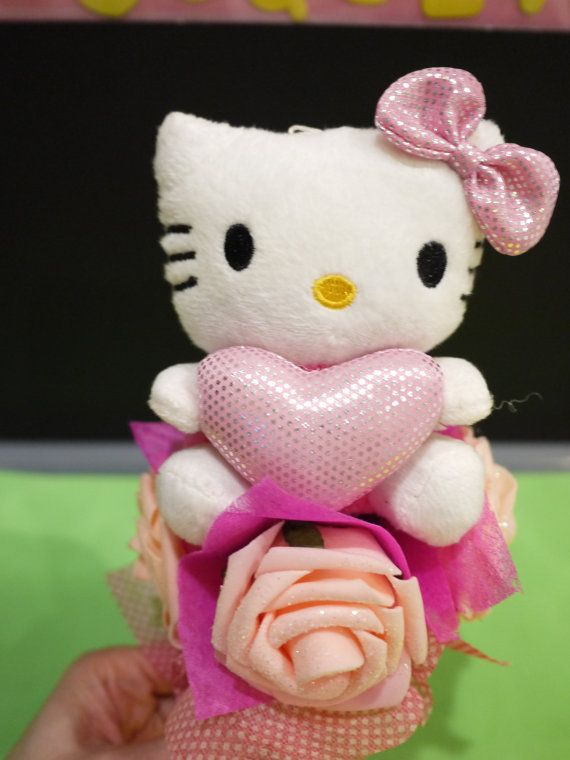 Hello Kitty mini flower bouquet. *** Sweet little gift for her!