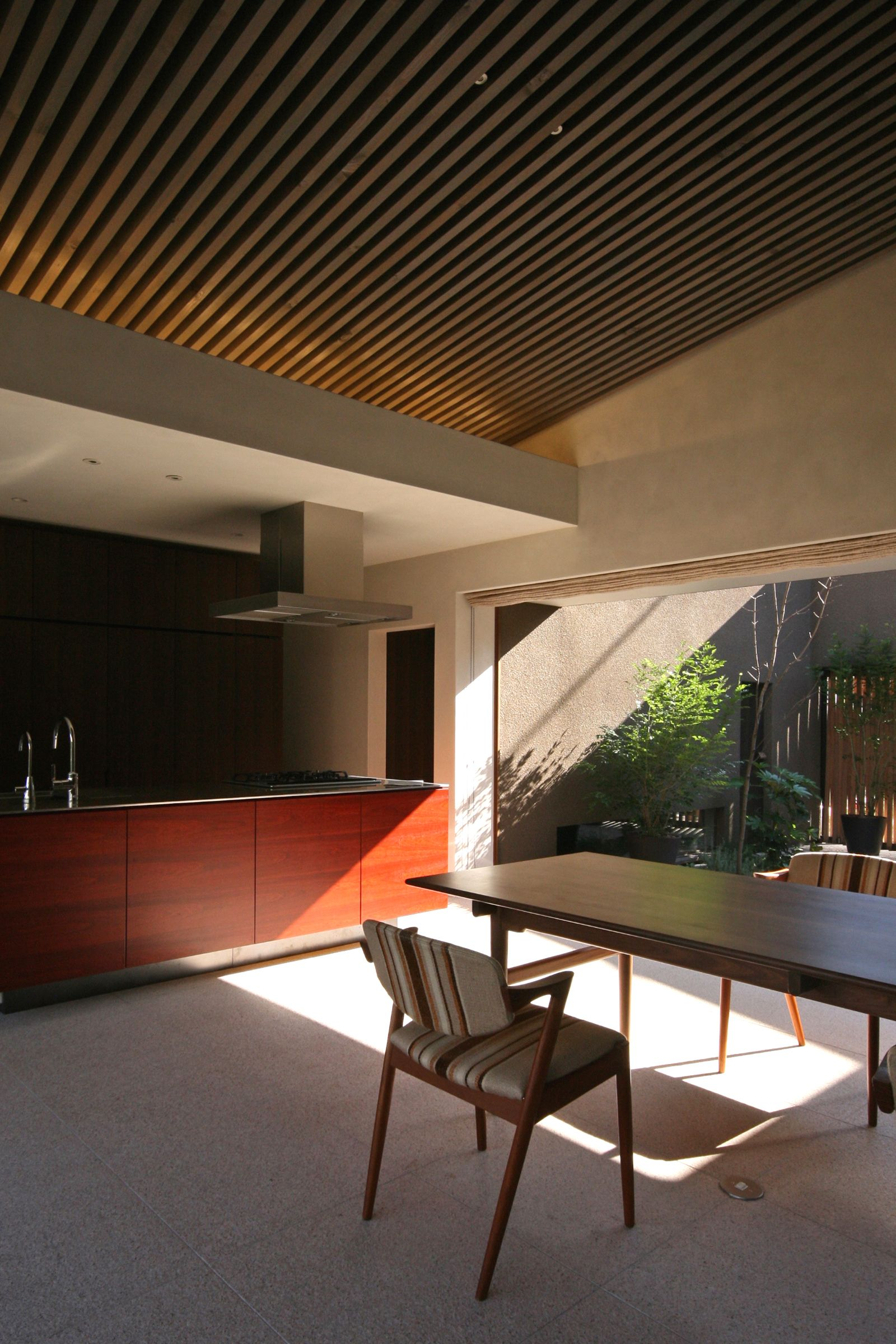 T house in Taishido by S.O.Y.LABO.