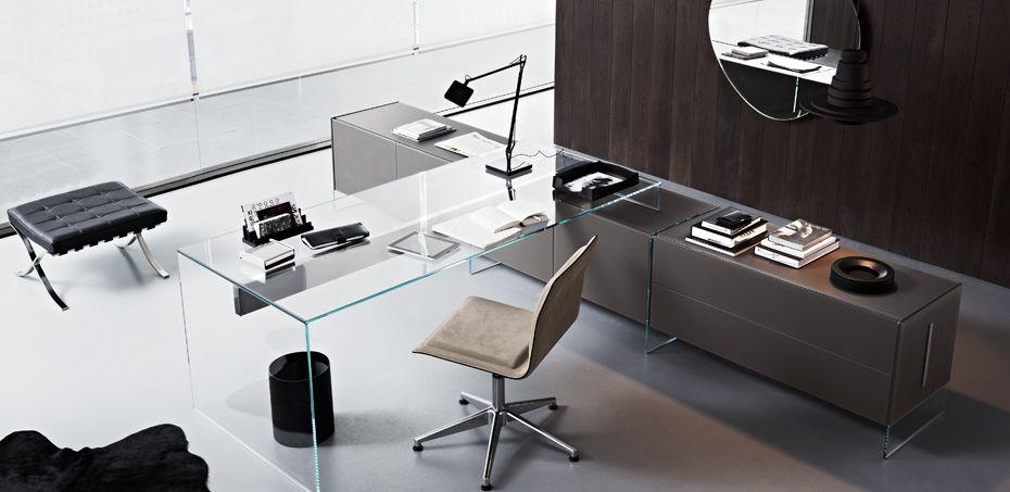 طاولة مكتبية فخمة Air بواسطة Gallotti Radice Glass Desk Office Contemporary Office Furniture Office Furniture Modern