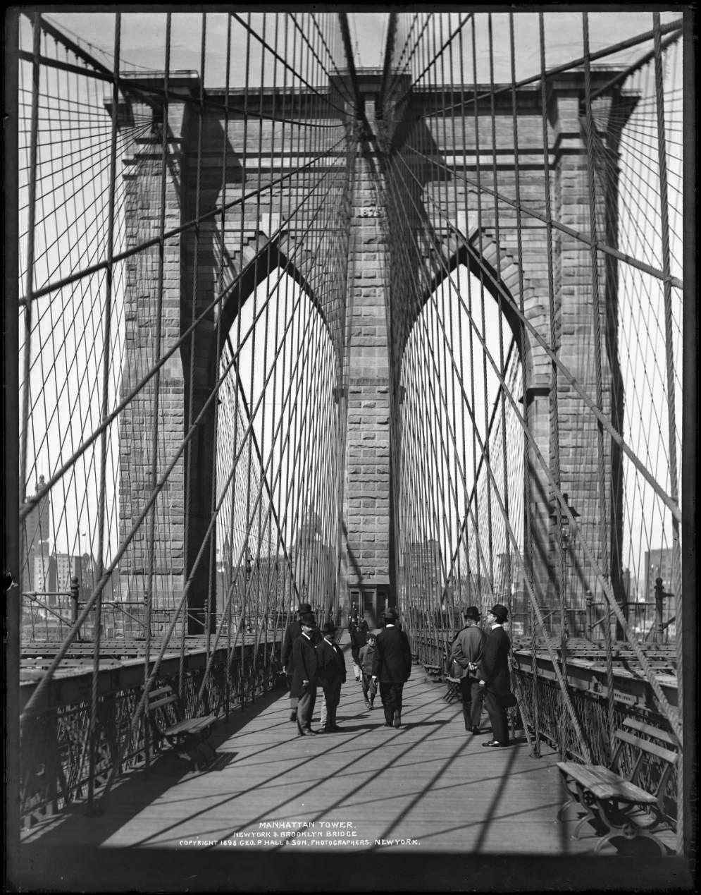 New York. The Manhattan Tower of the Brooklyn Bridge, 1898.