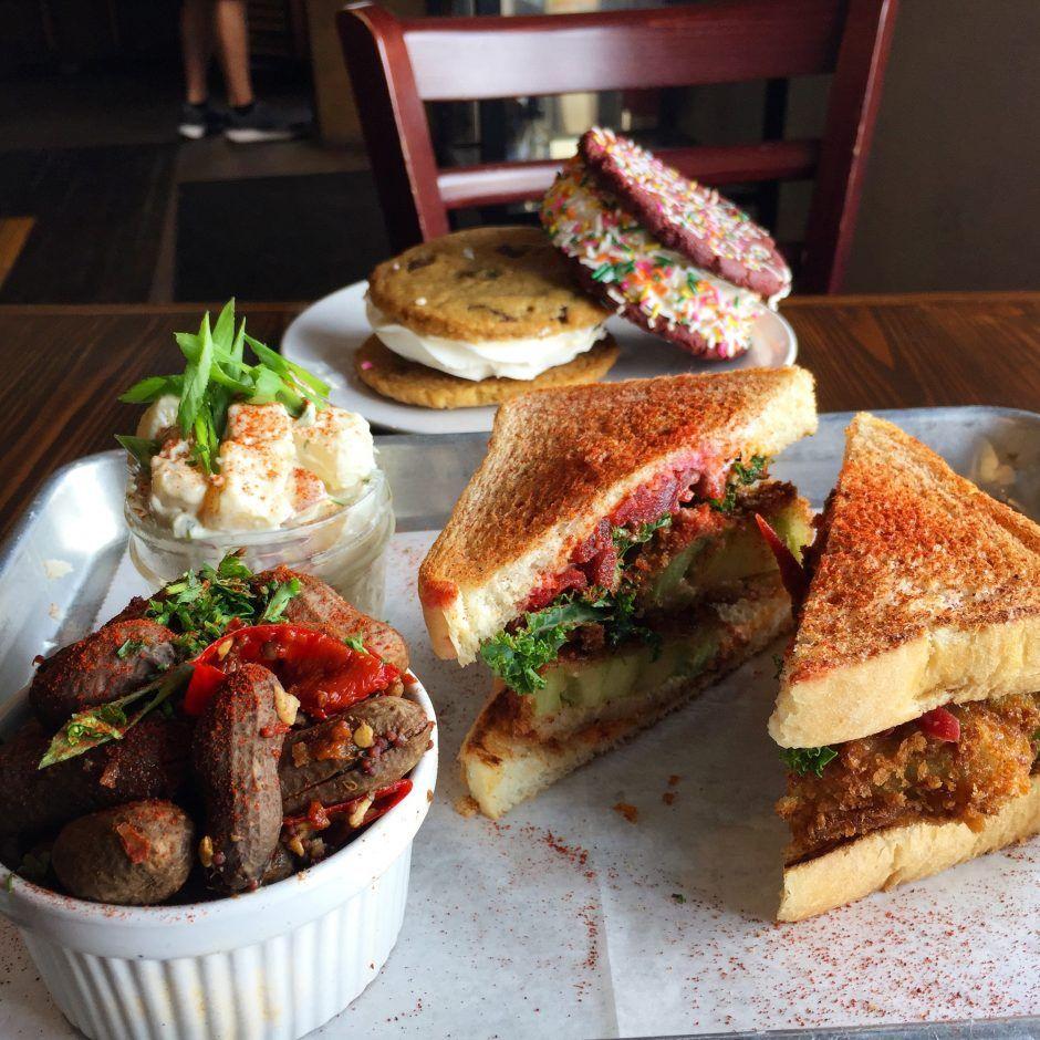 The Top 10 Vegetarian And Vegan Restaurants In Orlando Best Vegan Restaurants Best Vegetarian Restaurants Vegan Restaurants