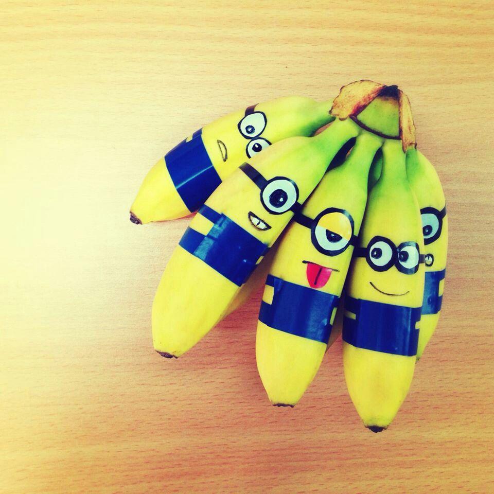 Minion Bananas. Gezonde Traktatie. http://www.gezonde-traktatie.nl/gezonde-traktaties/minion-bananen/