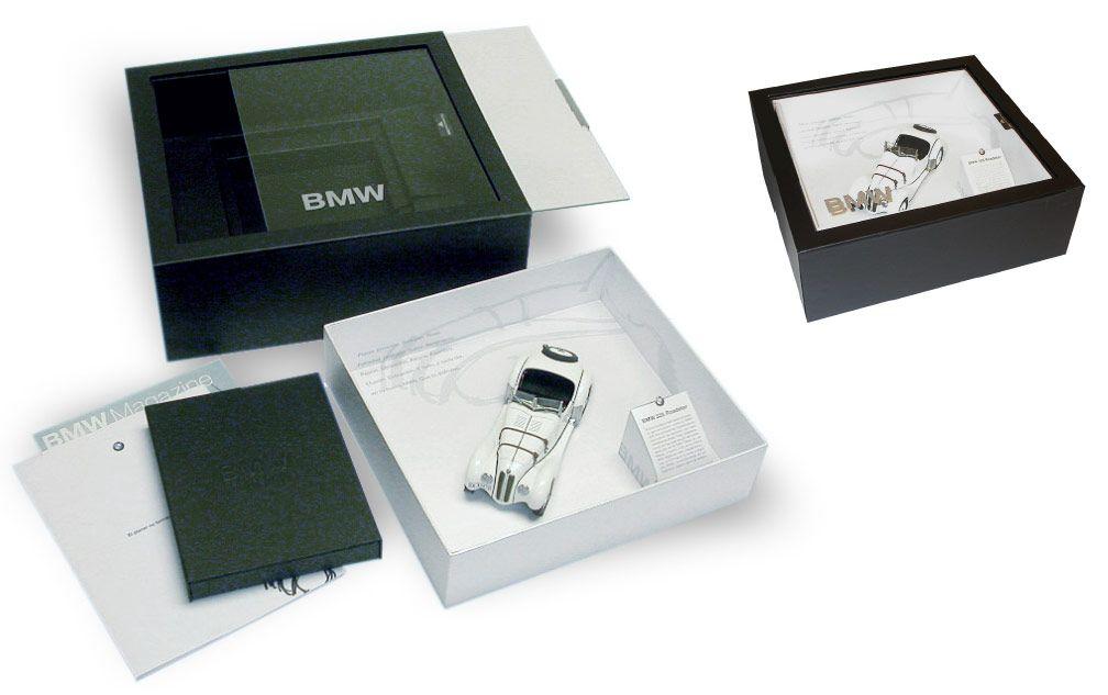 welcome pack bmw gift packaging design packaging packing. Black Bedroom Furniture Sets. Home Design Ideas