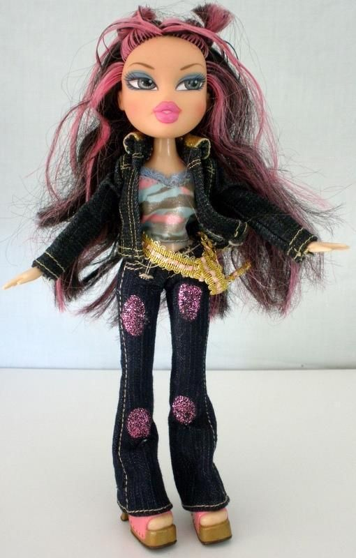 2001 Bratz Mga Jade Doll Wearing Jean Outfit With Pink Hair Streaks 9 1 2 Tall Hair Streaks Pink Hair Streaks Pink Hair