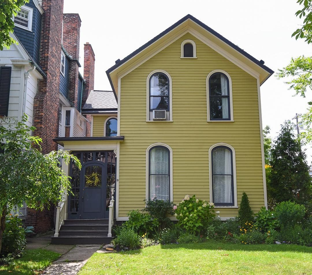 Yellow House In Buffalo Ny Buffalo Homes Buffalohomes On