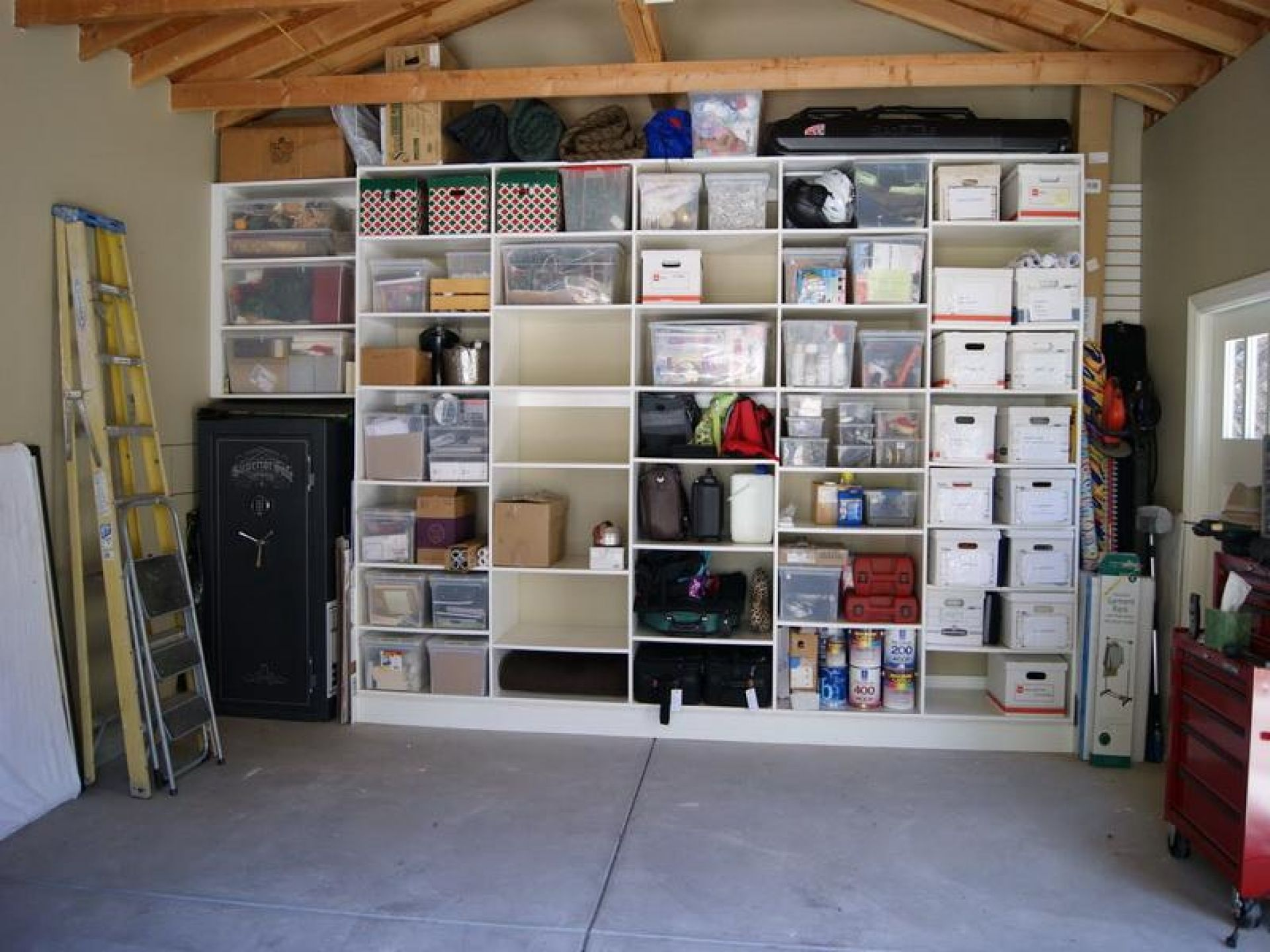 Back of the wall cubby storage wall storage organization ideas do it yourself garage shelving ideas solutioingenieria Image collections