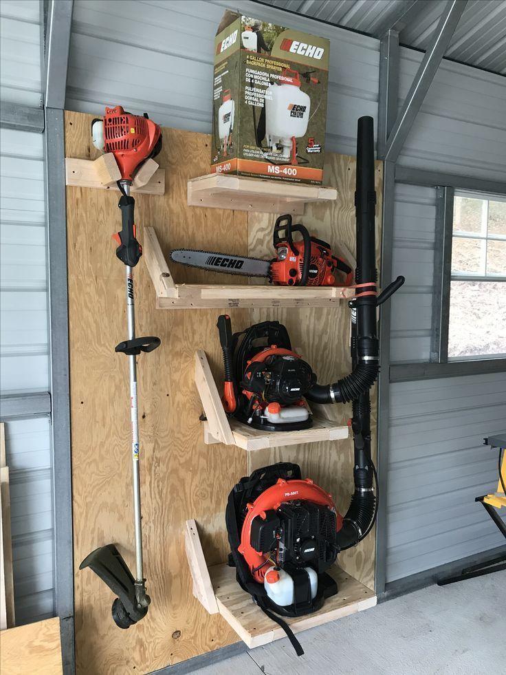 Aufbewahrung für diese ungewöhnlich geformten Werkzeuge und Rasenböden #decorationequipment