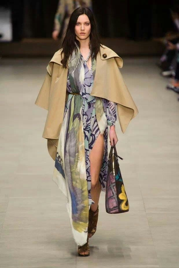 Burberry Fashion week London   H- Couture- Prêt à Porter   Pinterest 9757663034f1