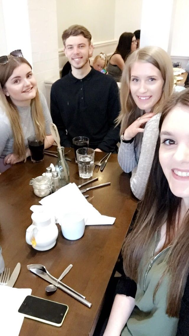 Tuesday 10th May 2016: Georgia's 19th birthday, lunch at Parade Tearooms ☕️