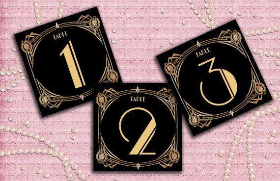 Inspiratie voor Great Gatsby uitnodigingen. Wij vinden dat een feest al bij de uitnodiging begint. Wij kunnen je helpen met een prachtige speakeasy uitnodiging, die een paar weken voor het feest bij je collega's op de mat valt. Klik op de afbeelding voor meer informatie!