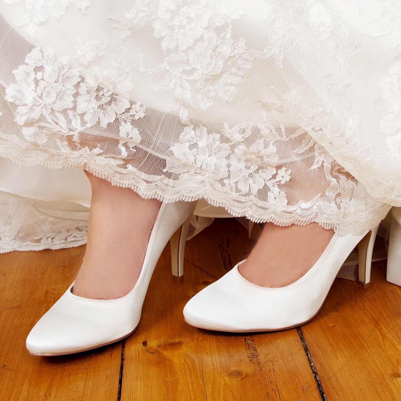 Escarpins mariée classiques en satin Mia | Casamento ...