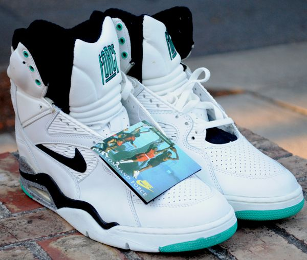 8859c1a471df4e nike-air-180-command-force-david-robinson-2