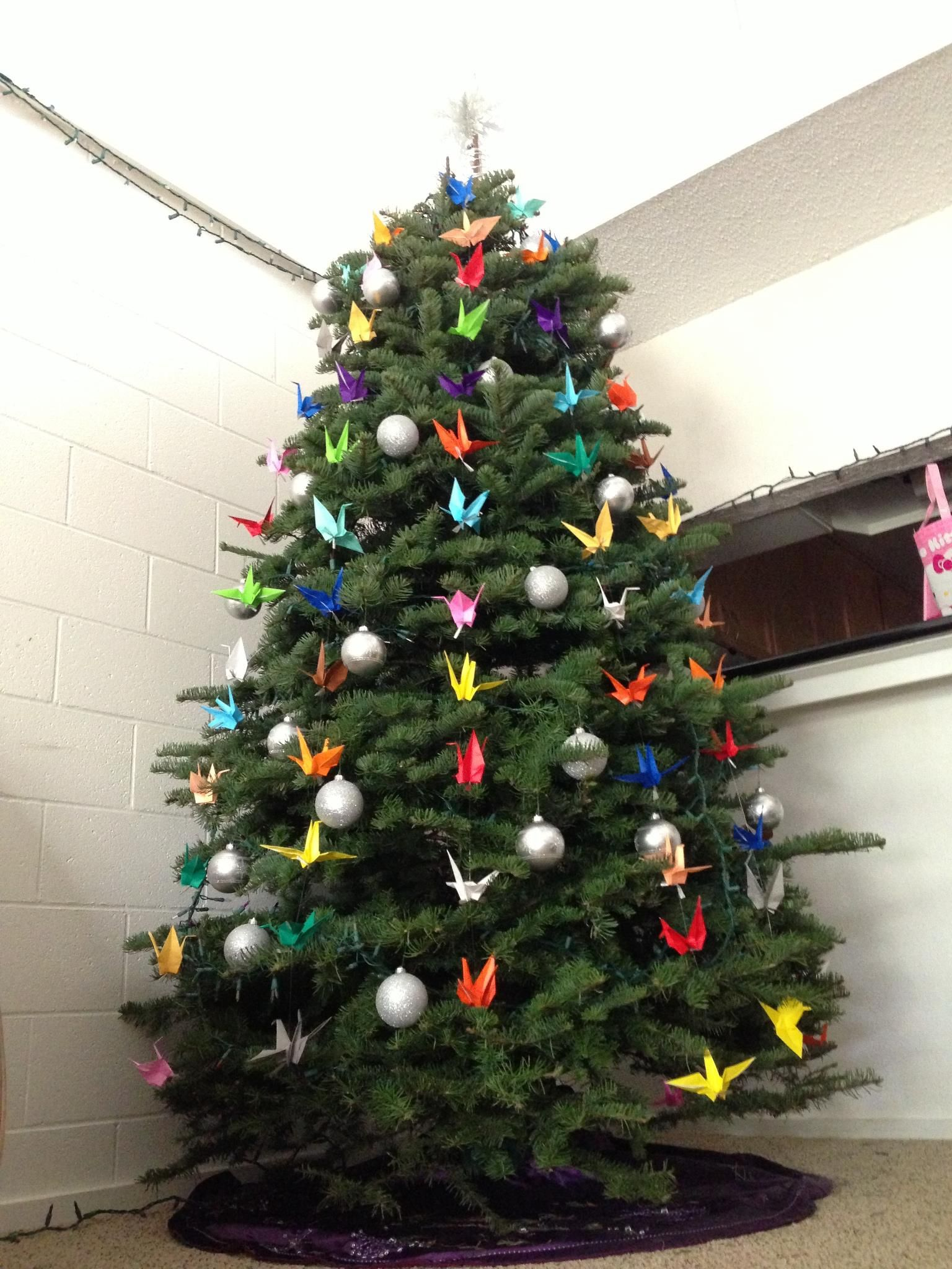 Origami cranes to decorate the Christmas tree   Holiday   Pinterest ...
