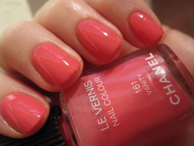 chanel polish - vanity