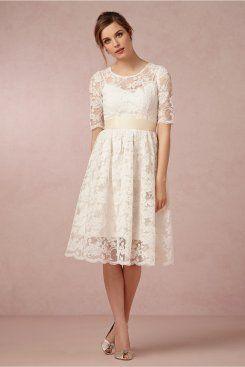 Hochzeitskleid spitze schlicht kurz