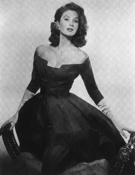 The 1950s dresses are one of the most beautiful women fashion styles of all  time. These vintage black and white pictures will prove this. 94fafecab