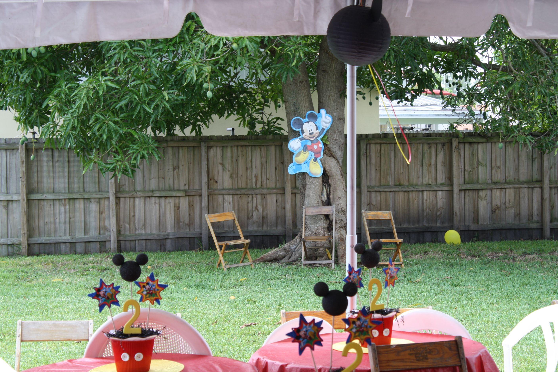 Decoracion Para El Patio Mickey Mouse Birthday Party Mickey Mouse Birthday Birthday Party Decorations