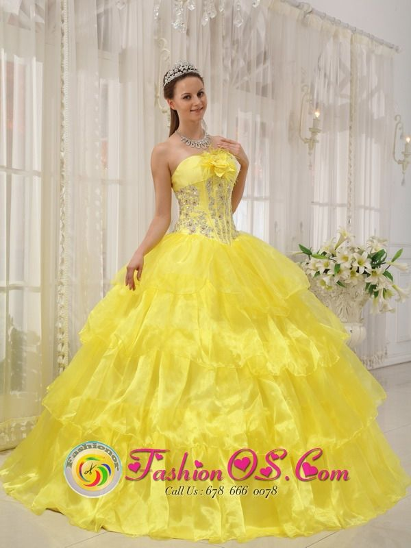 Yellow Sweet Quinceanera Ball Gown Dress For 2013 Strapless Taffeta and ... fashionor.com